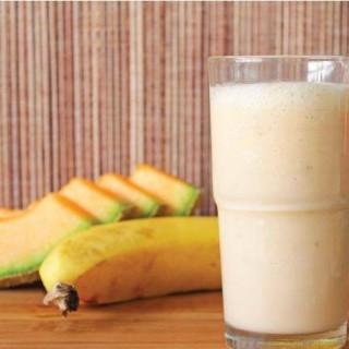 Smoothie με πεπόνι, μπανάνα για πολύ ενέργεια !