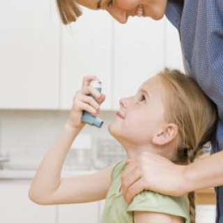 Η μεσογειακή διατροφή μειώνει τα συμπτώματα του άσ