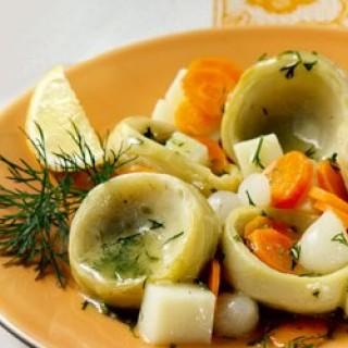 Αγκινάρες με καρότα, πατάτες και μυρωδικά